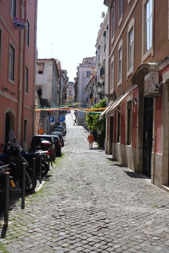 Barrio Alto (4) Almontes Abroad